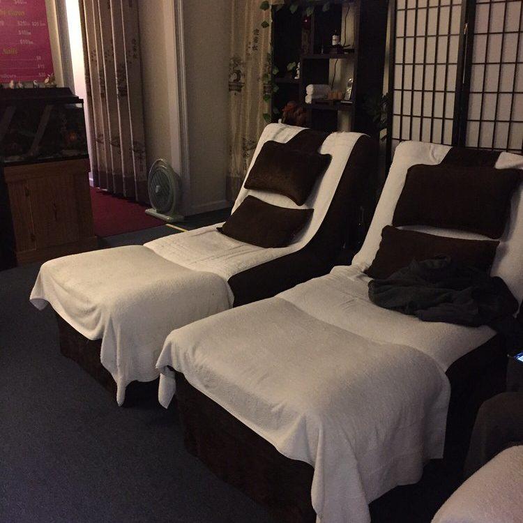 Safe foot massage in Queens